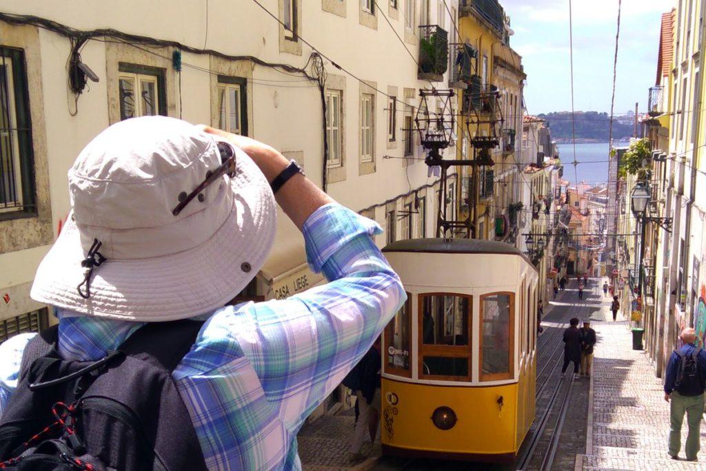 Sightseeing in Lisbon - Bica elevator tram