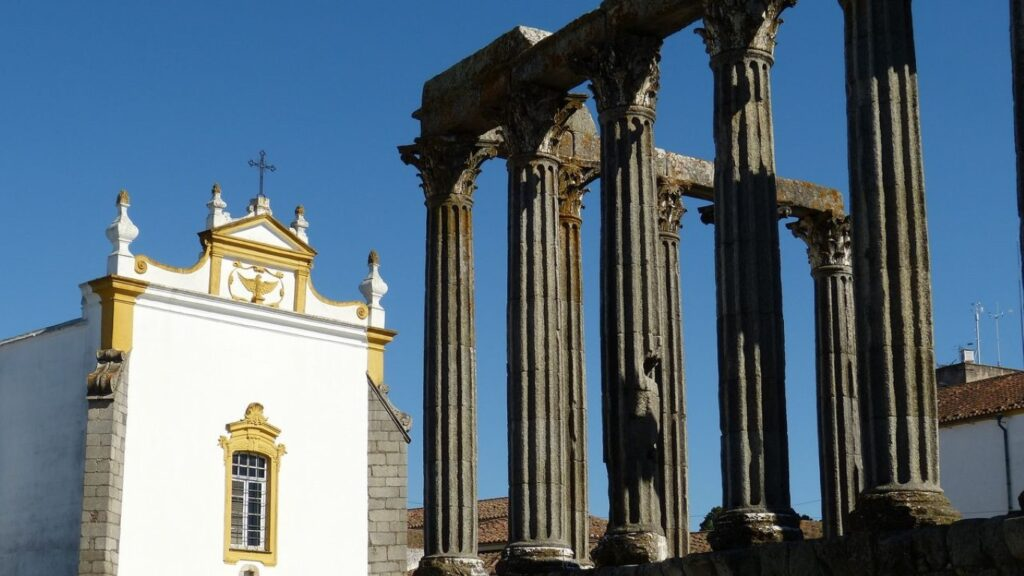 Évora is one of the best tourist destinations of central Portugal